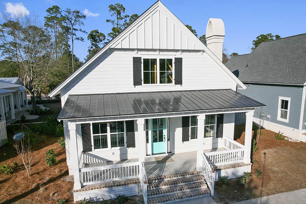 The yaupon home 6 southern coastal homes for Southern coastal homes